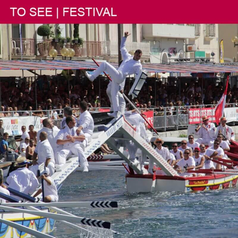 """The spectacular tournament of """"joutes"""" in Sète"""