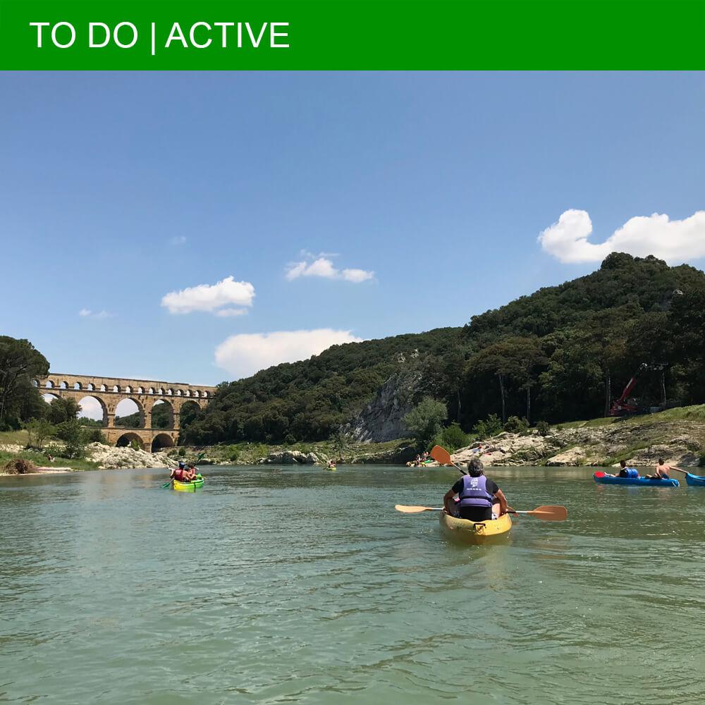 Cool experience: Kayaking under the Pont du Gard